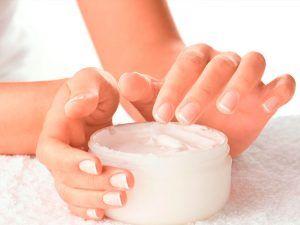 Inicio Tipos-de-cremas-recomendadas-para-la-piel-300x225